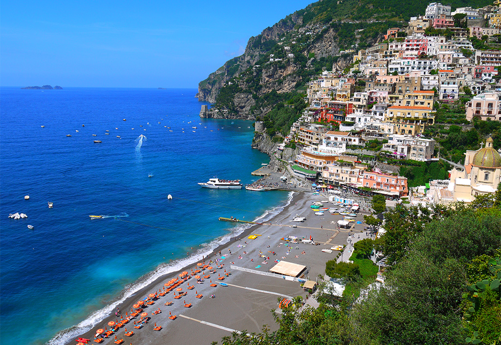 The Spiaggia Grande beach in Positano